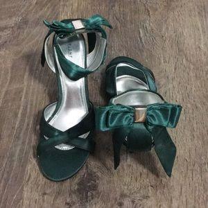 Emerald Green Pumps Silver Heel & Bow NEW